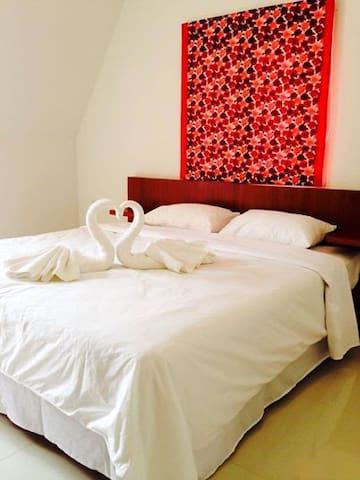 1 bedroom colorful house - Sa Khu - Rumah