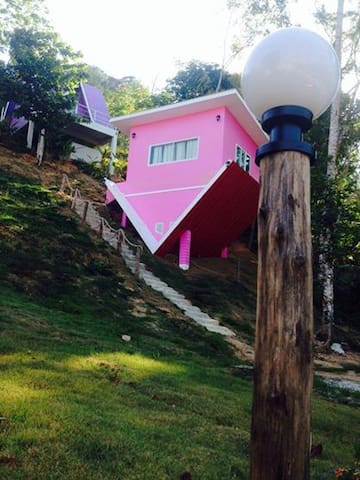 Bed and Breakfast in colorful house - Thep Kasattri - Bed & Breakfast