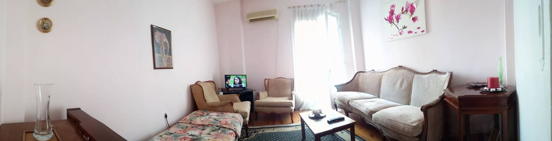 Sunny 2 bed appartment wi-fi air condition