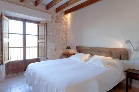 Hotel de la Vila. Room/View - Llubí