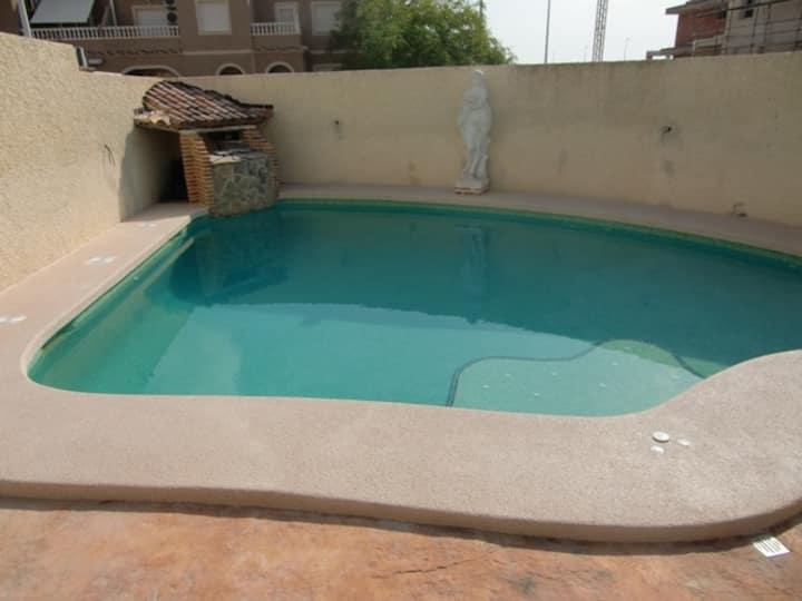 Casa con wifi, jacuzzi y piscina