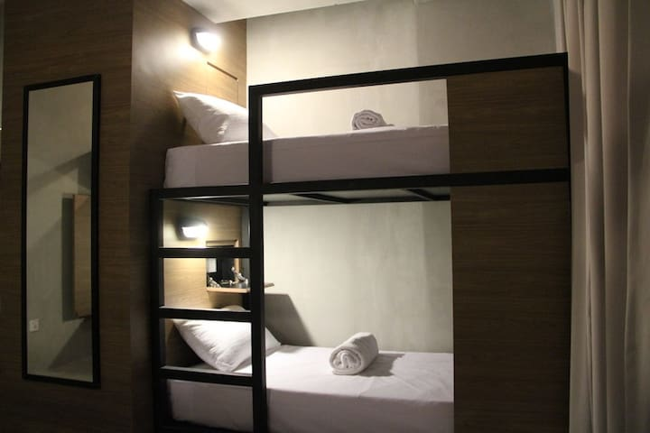 Spacious Bunk Bed With Shared Bathroom - George Town - Bed & Breakfast