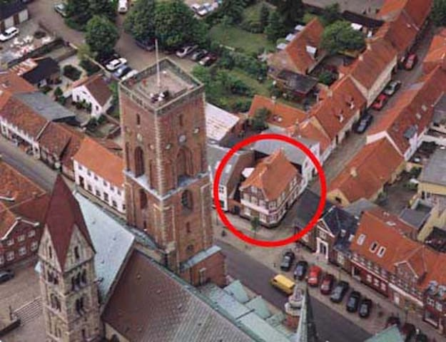 B&B lige ved Ribe Domkirke - Ribe - Bed & Breakfast