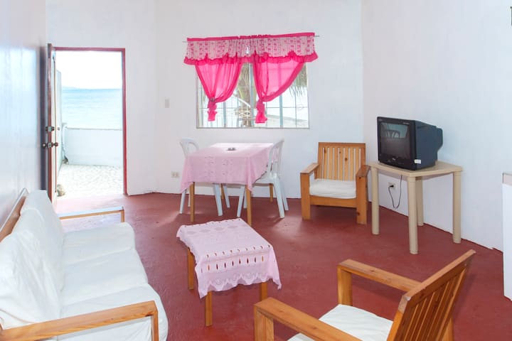"Aldanmar Red ""on the beach"" for couples or groups - Puerto Galera - Daire"