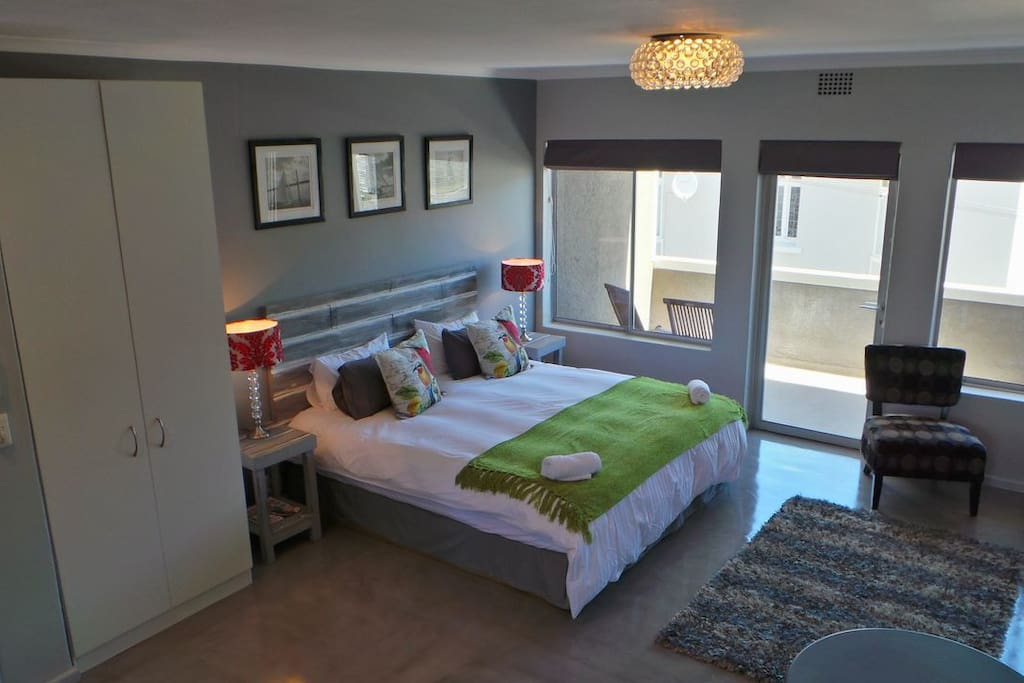 stylish apartment in cape town wohnungen zur miete in kapstadt westkap s dafrika. Black Bedroom Furniture Sets. Home Design Ideas
