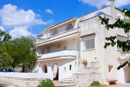 Villa Magnolia - Vienna Apartment - Cisternino - Βίλα