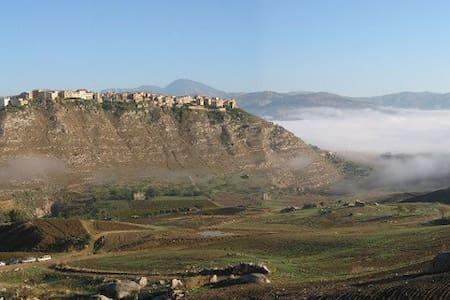 Stanza in villa panoramica - Sant'Angelo Muxaro - Casa