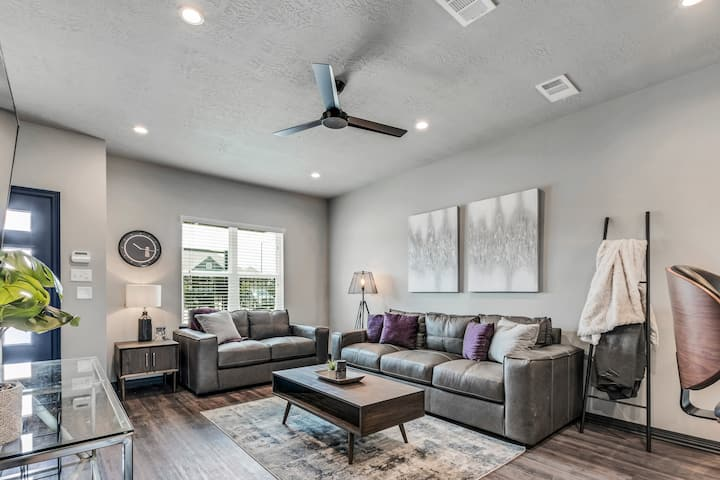 Stunning New 2/2.5 Condo in College Station-#305
