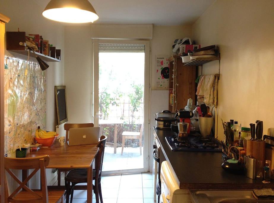 kitchen with door the terasse