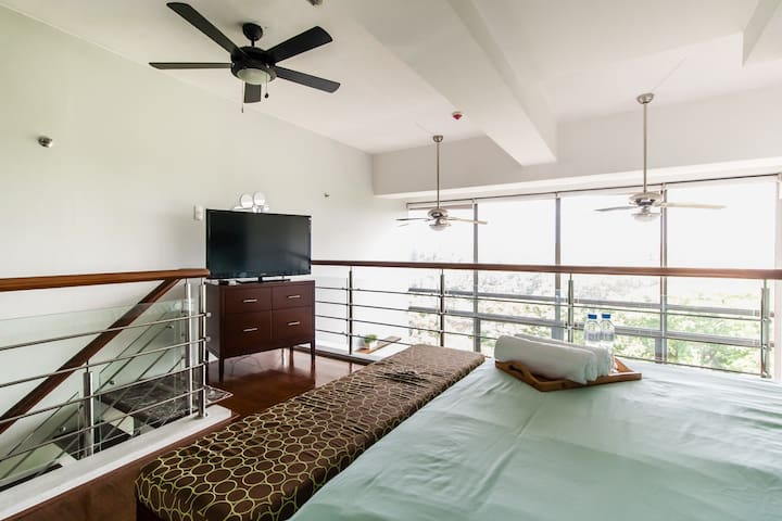 The Loft - Premium apartment w/ Golf course view - Taguig - Loft