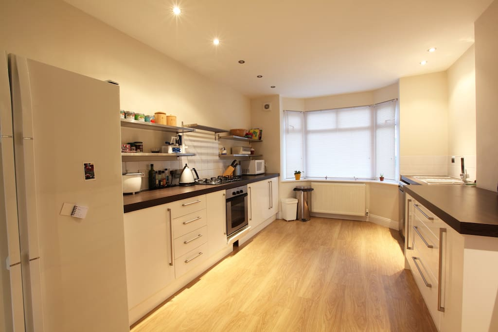 Large Kitchen/Diner, please book to cook!
