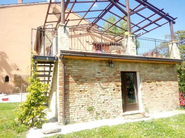 Ca' Albertone: in campagna nei pressi di Urbino - Urbino - Apartamento
