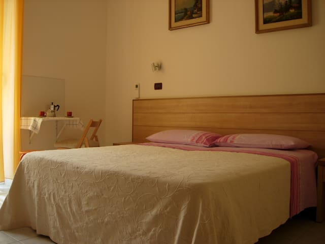 Candiano - Bright Quiet Room free wifi&parking