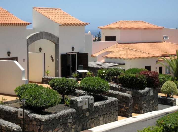 Lovely Villa by Scenic Golf Course