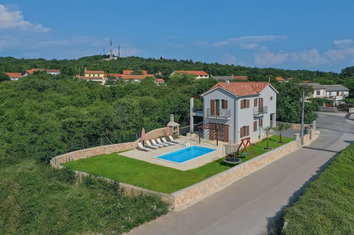 Villa Marko - with jacuzzi and private pool