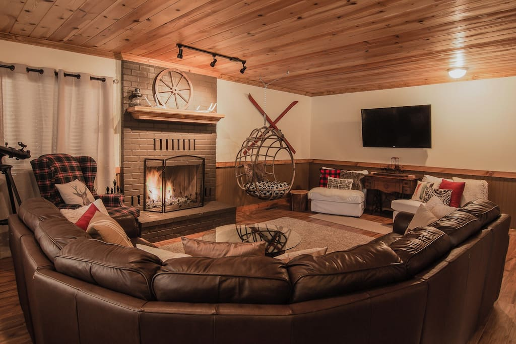 Sleeps 10 hushabye mountain lodge chalet in affitto a for Cabine di lusso in affitto a big bear ca