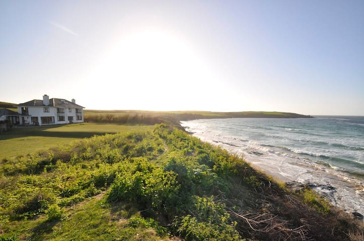 Unique Beachfront House Harlyn Bay - Padstow - Casa