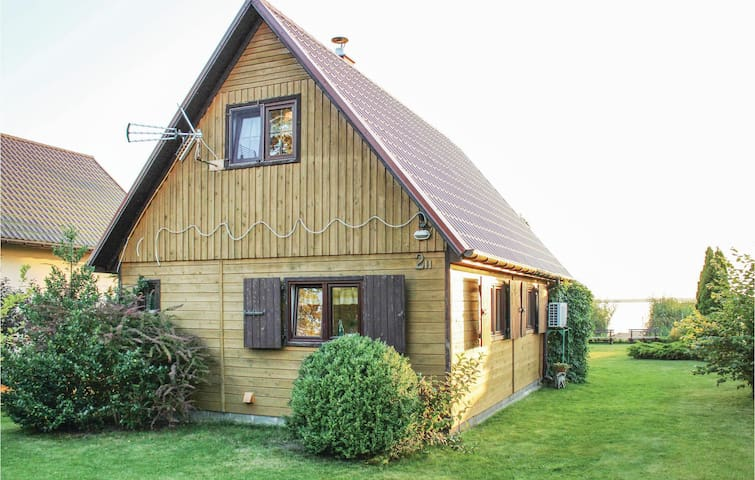 Holiday cottage with 2 bedrooms on 48 m² in Nowe Warpno