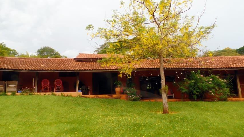 Casa charmosa na represa em Avaré