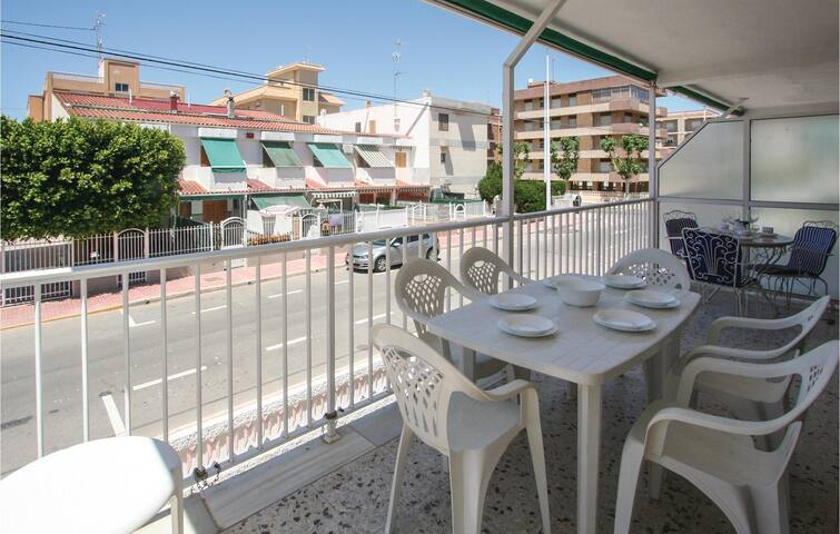 Holiday apartment with 3 bedrooms on 80m² in Santa Pola