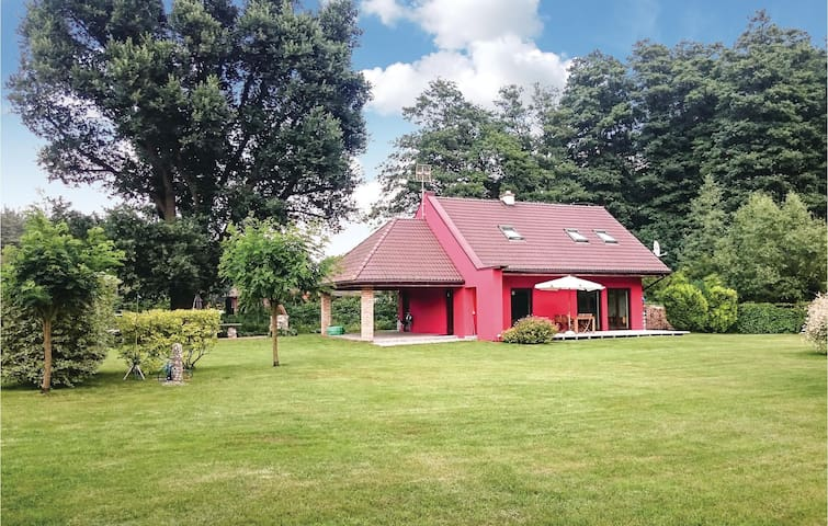 Holiday cottage with 2 bedrooms on 100 m² in Nowe Warpno