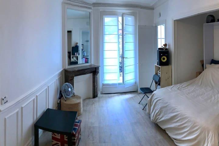 Pleasant parisian flat in Montmartre