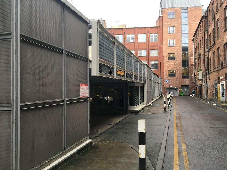 This is the secure underground parking which is accessed via Spear St at the rear of Chatsworth House. Spear St runs directly parallel to Lever St.