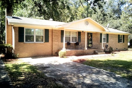 Sumter/Shaw AFB/Columbia-Quiet Country Living