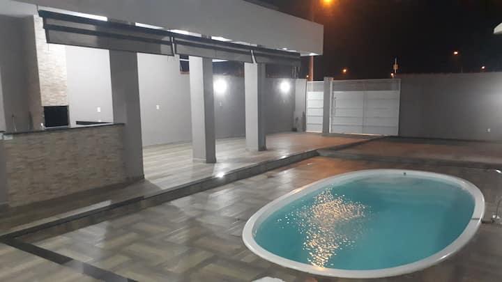 Área de Lazer com  piscina e varanda Gourmet
