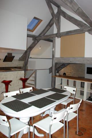 Loft sous combles - Bouafle - Apartment
