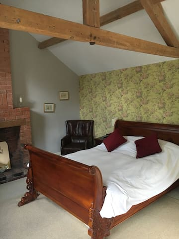 Luxury B & B -Double Room -sleeps 2 - Long Clawson - Penzion (B&B)