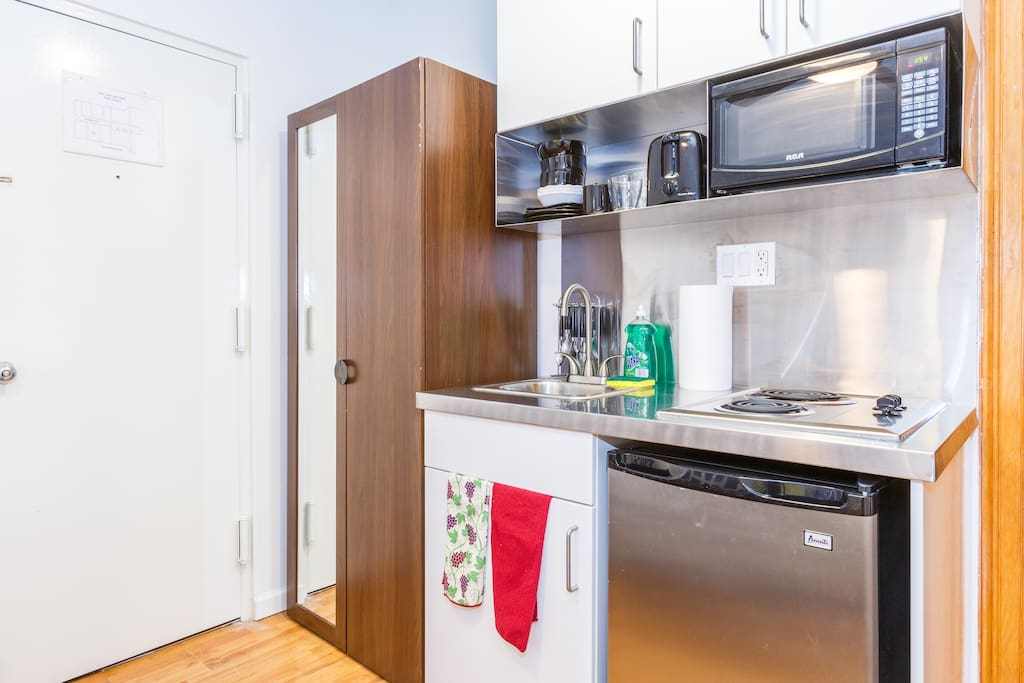 P/apt Heart of Midtown Near Subway!