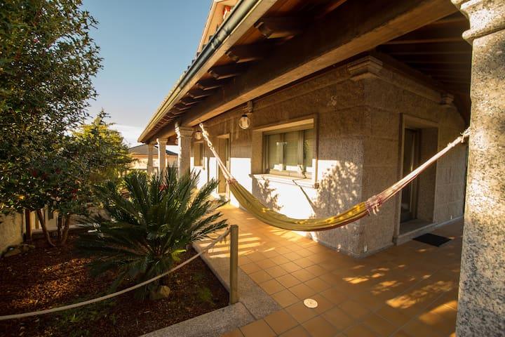 Casa 9 plazas con piscina cubierta - Valga - Huis