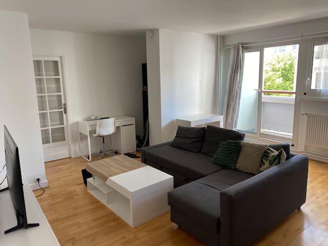 Appartement spacieux avec piscine et solarium