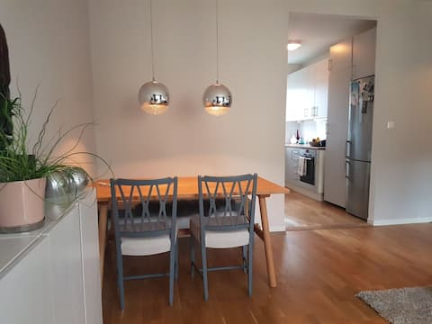 Stylish, quiet apartment - minutes from metro