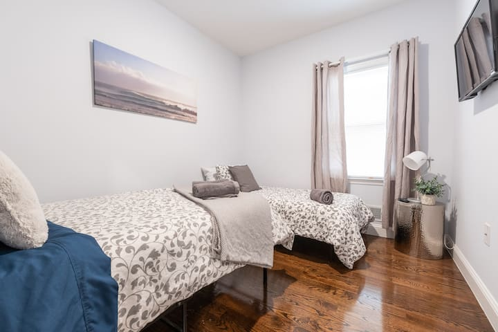 Affordable Room ★Near NYC★30 min to Times Square