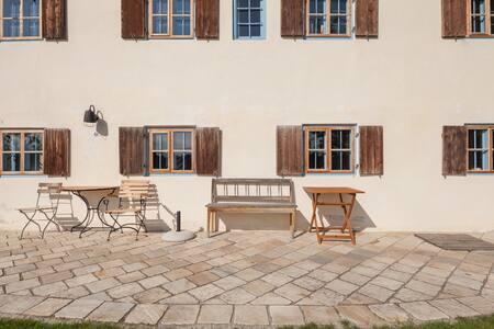 Altes Wohnhaus im Dichtlhof, Hideaway bei München - Valley