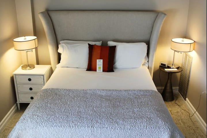 Luxury Suite at Erik's Retreat