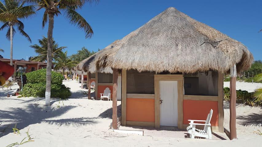 Cabin Rustic in an awzome beach for 28 pax - Isla Mujeres - Stuga