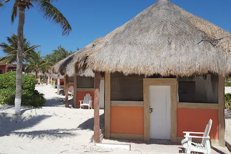 Cabin Rustic in an awzome beach for 28 pax - Isla Mujeres - Blockhütte