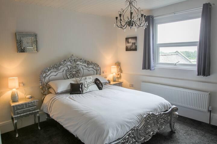 Ugthorpe Lodge Hotel Room 4