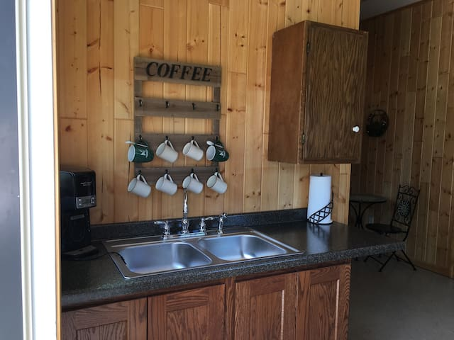 Valhalla apple orchard  getaway Cabin