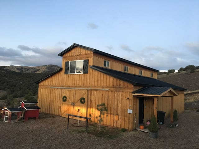 Barndominium (Barn Living Quarters) - Herriman - Pensió