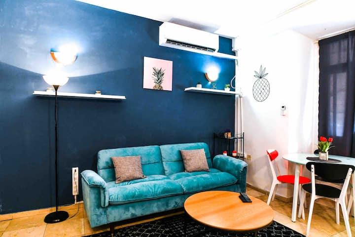 Modern & stylish private apartment near the beach