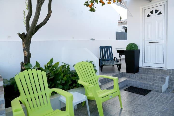 Cozy house 2 bedrooms in Estoril/Galiza/renovated