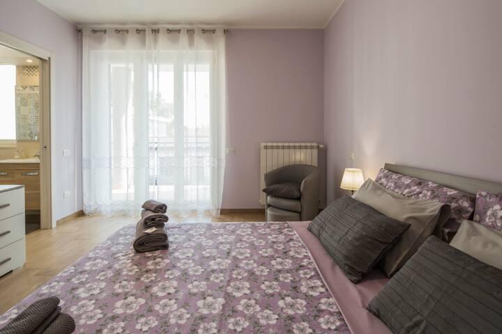 Camera Matrimoniale con bagno privato in camera - possibilità di letto aggiuntivo
