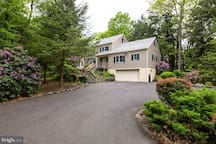 Large Home on Secluded Wooded Lot