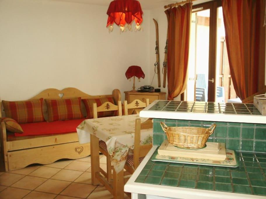 Canapé gigogne dans la pièce principale