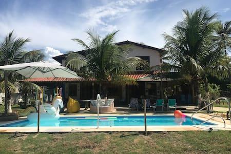 Chácara com piscina e jacuzzi em Flecheiras