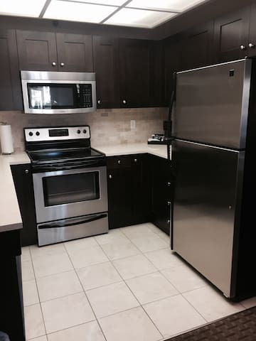 Two bedroom condo with full kitchen